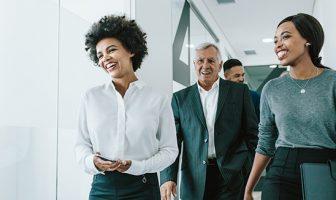 O capital humano está envelhecendo mais cedo para as organizações?